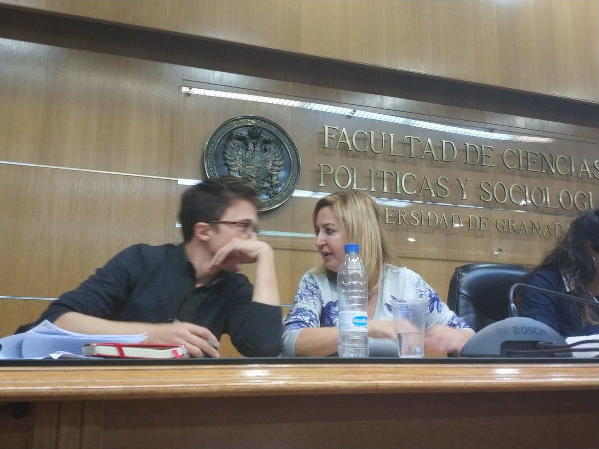 RT @rakuelrtc: En la facultad de políticas, escuchando a nuestro futuro! Adelante Andalucía 💪 https://t.co/MQk0QX0dGT
