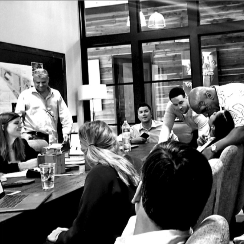 Teamwork makes the dream work. #tysonranch https://t.co/C4oNB2dKTI