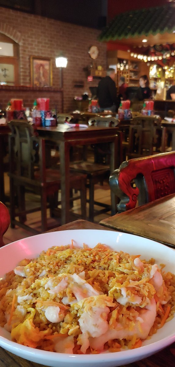 test Twitter Media - Phenomenal! $5.33 total for a rather large chicken fried rice. Tax included. Crazy prices in #Cincinnati. I'm having a blast at lunch. 📷:Shanghai Mama's located at 216 E. 6th Street in downtown. https://t.co/eF7TlzVIix