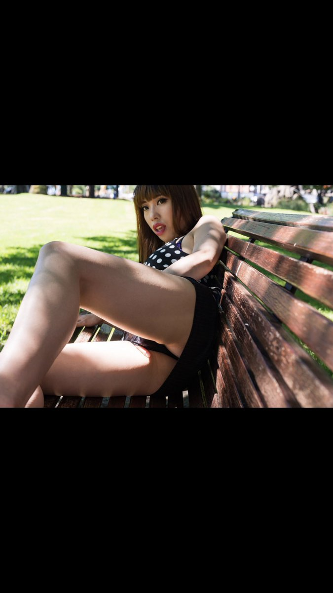 4 pic. Summer is coming. My season. A lot of outdoor shoot would coming out! e9jsNu1AXY