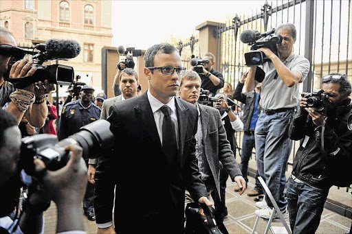RT @Dispatch_DD: Oscar Pistorius let out for memorial of beloved grandfather  https://t.co/pAUfnigC5L https://t.co/N47xmDe7RC