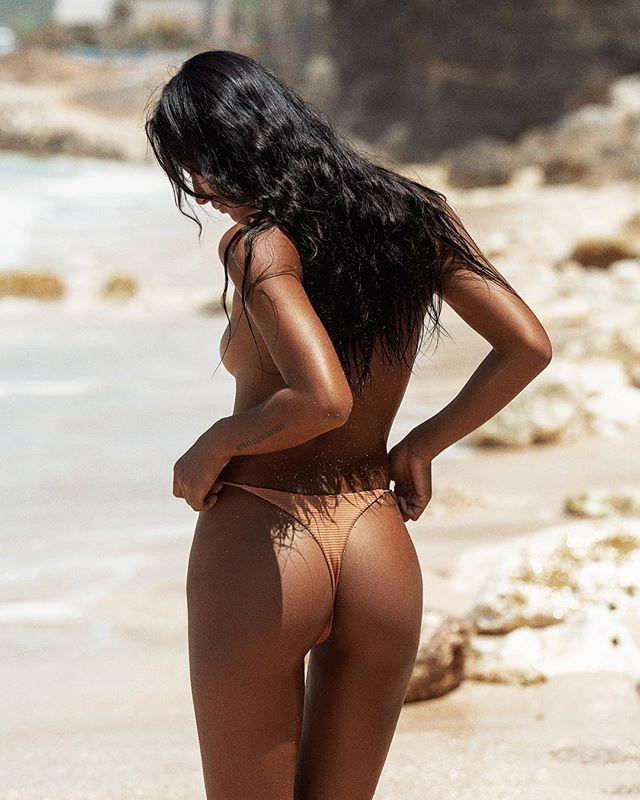 Somewhere sunny gettin' tan... @zhenzhenjia1 @wanitaswim #beachlife #bali https://t.co/DdcvjU6SNc