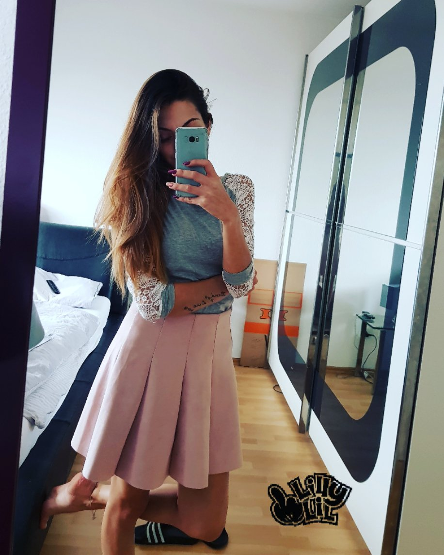 Rosa röckchen und #adiletten 😍😍😍 utvQXUJfQc NMadeEgvn7