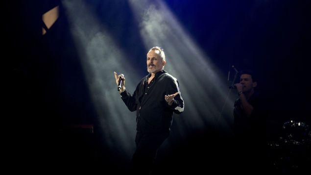 Miguel Bosé y Thalía, entre los presentadores de los Latin Grammy https://t.co/KqSx4l6x3o https://t.co/34g4JkgpGk