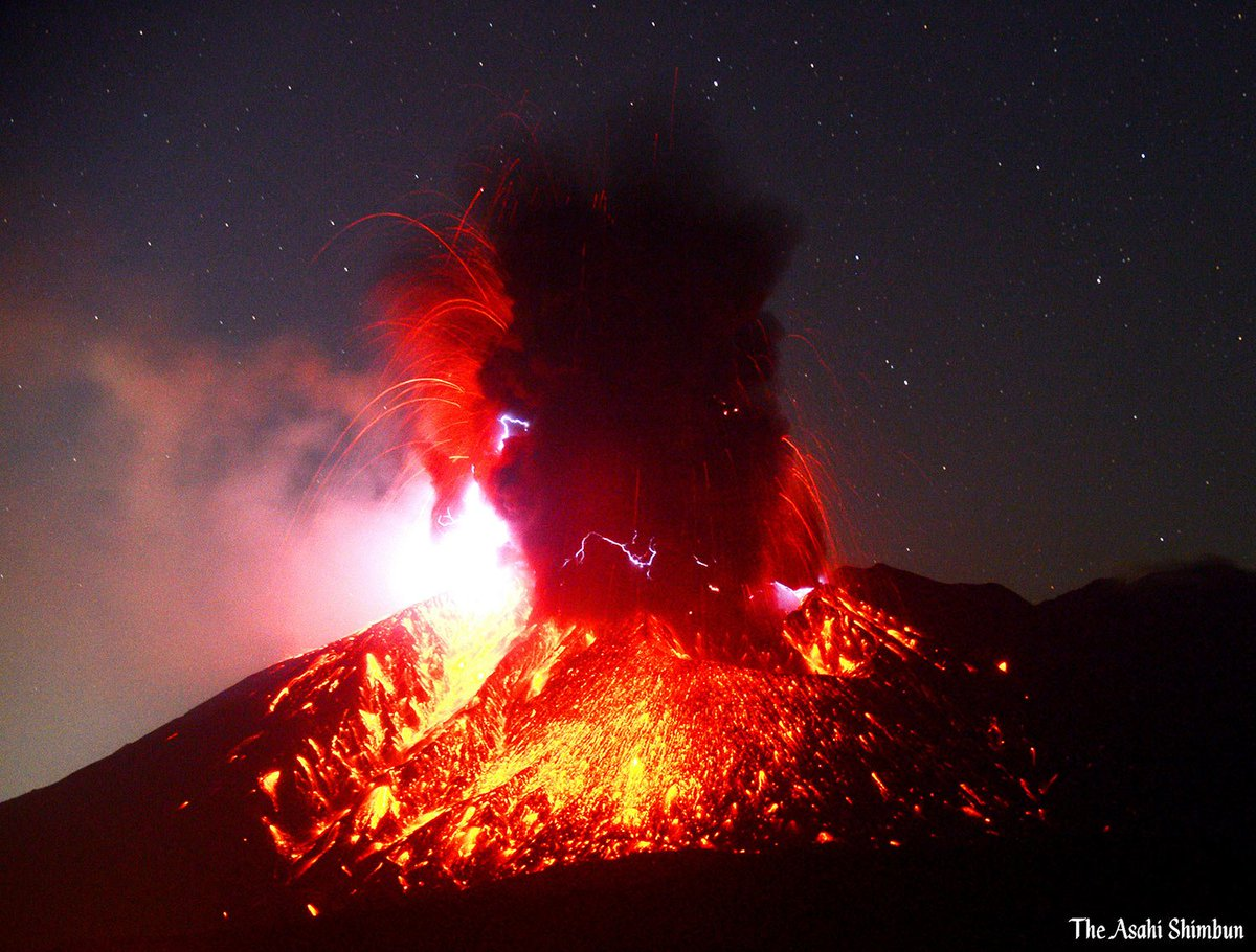 test ツイッターメディア - https://t.co/VrOyK9TRzE 14日午前0時45分ごろ、鹿児島市の桜島の南岳山頂火口で爆発的噴火があり、噴煙が高さ4千メートル以上まで上がりました。(長) #鹿児島県 #桜島 https://t.co/Dfu9gz07L6