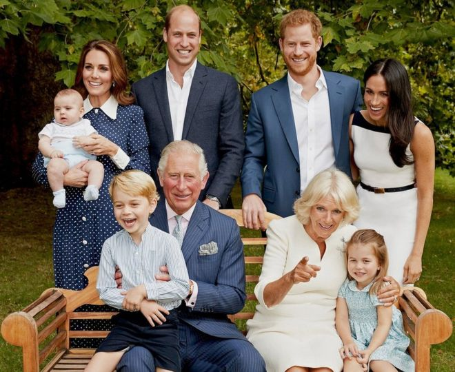 Such a great photo of the Royal family!  Happy birthday 70th Birthday Prince Charles