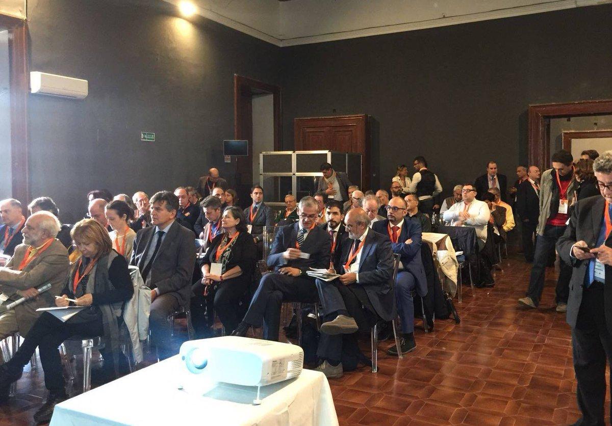 test Twitter Media - #TBiz2018: Il ruolo dei Cluster e il posizionamento strategico nei network europei Intervengono Luigi Carrino, Presidente Distretto Aerospaziale Campano e Cristina Leone, Presidente Cluster Tecnologico Nazionale Aerospazio https://t.co/OUR3e51bS3