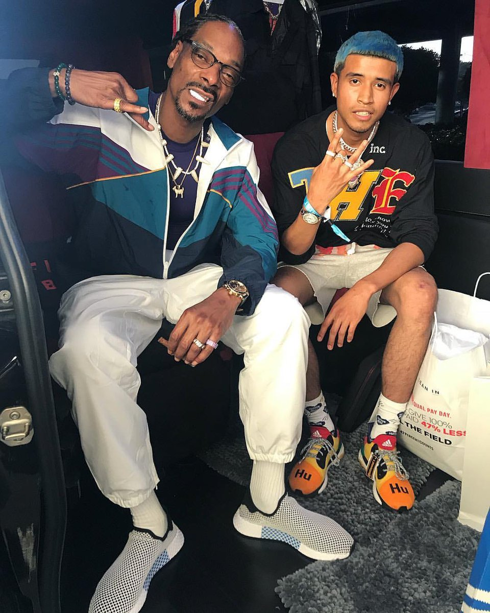 RT @ComplexSneakers: OG @SnoopDogg and @TheRealKapG reppin' @adidasoriginals at @ComplexCon. https://t.co/2U0avpOkTg