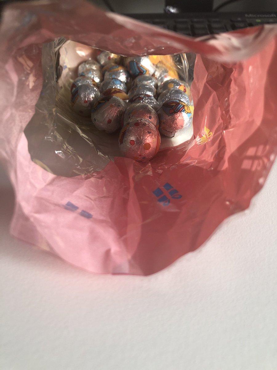 test Twitter Media - Voor iedereen met een Vomar in de buurt, koop niet de Pietenballen, ik herhaal, koop niet de Pietenballen. #jazohetenze #verslaafd #misselijk https://t.co/uZ3V9pnxoW