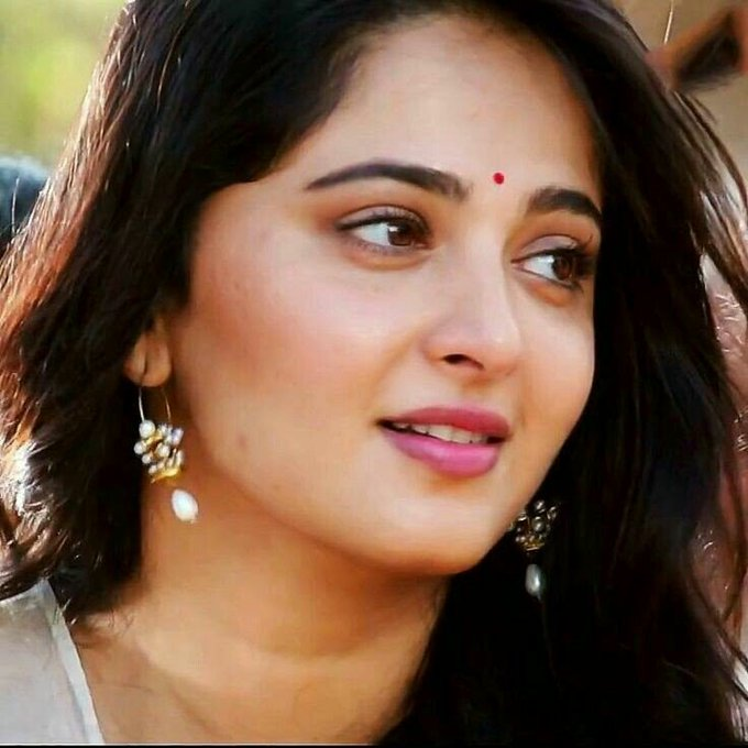 Happy birthday anushka shetty.