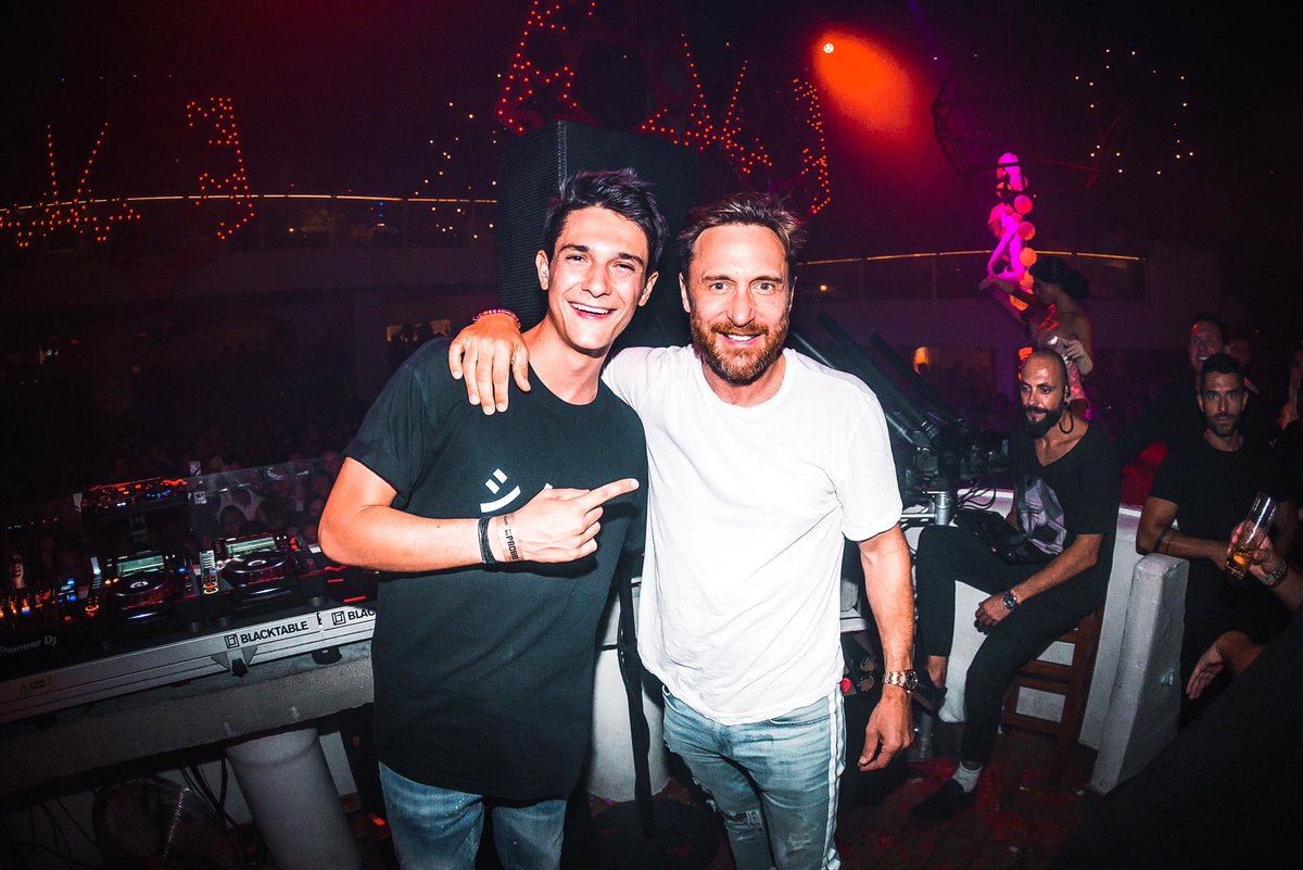 RT @KungsMusic: Happy birthday boss @davidguetta and congrats for this amazing year. True legend ???????? https://t.co/f9HuzR2oyz