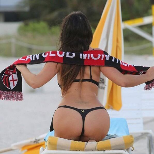 RT @ACMGDream: Game Day ⚫️???? #ForzaMilan #BetisMilan   Let's kick some Ass (sponsored by @ClaudiaRomani derrière ????) https://t.co/HyzWPbS7p2