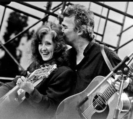 Happy birthday Bonnie Raitt, this photo from John Prine\s FB page.