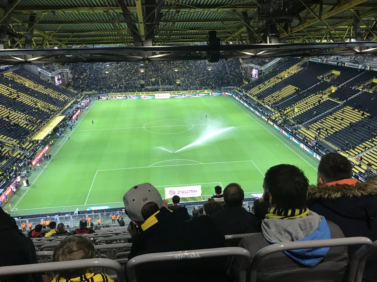 Head over to Life Style Sports Football on insta for live updates from Dortmund #DORBAY #Bundesliga #LSSBootRoom https://t.co/1dydM9lz6U