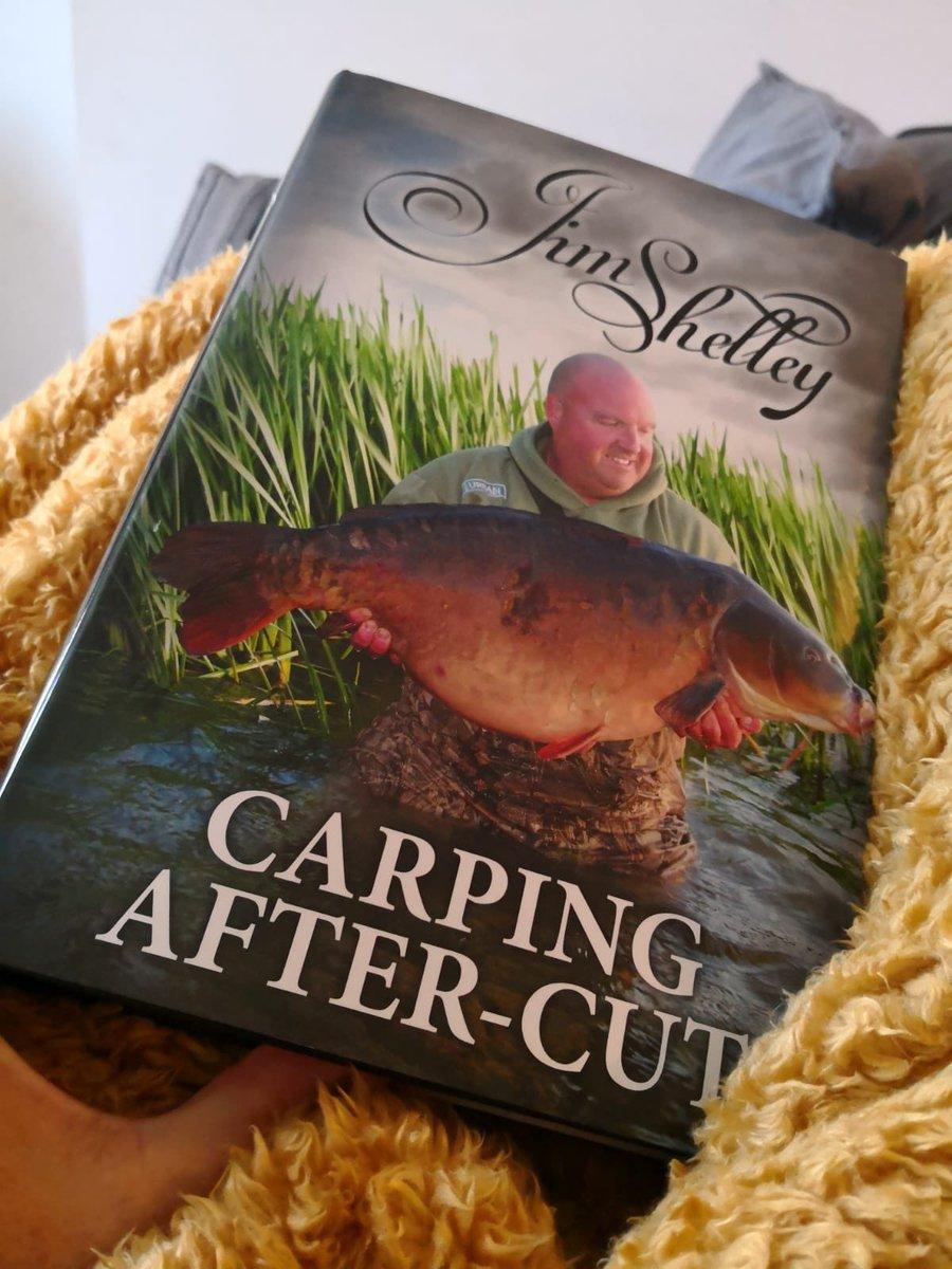 Happy customers, sending pics of there book #<b>Carpingaftercut</b>  https://t.co/hGR476gWuR #carpfi