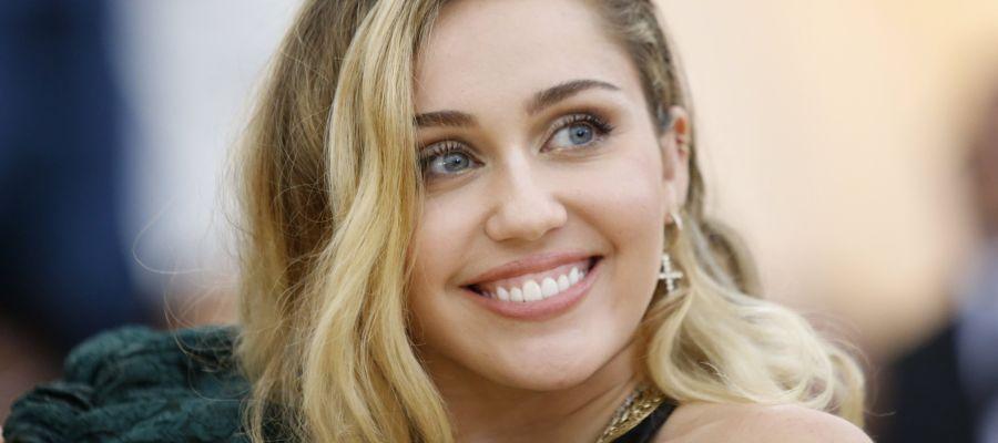 Europa FM News: Miley Cyrus explica que su casa se ha quemado en los incendios de California https://t.co/5rhuWNZDsX https://t.co/0q5T7E0WsG