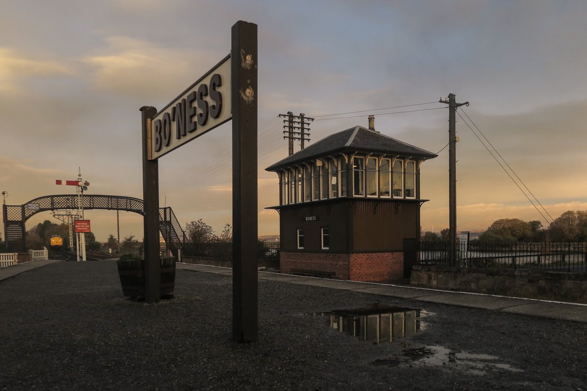 test Twitter Media - RT @SirHectorMunro: Dawn at Bo'ness Station.  @bonessrailway @SRPSDieselGroup https://t.co/T2KBJ7vtuM