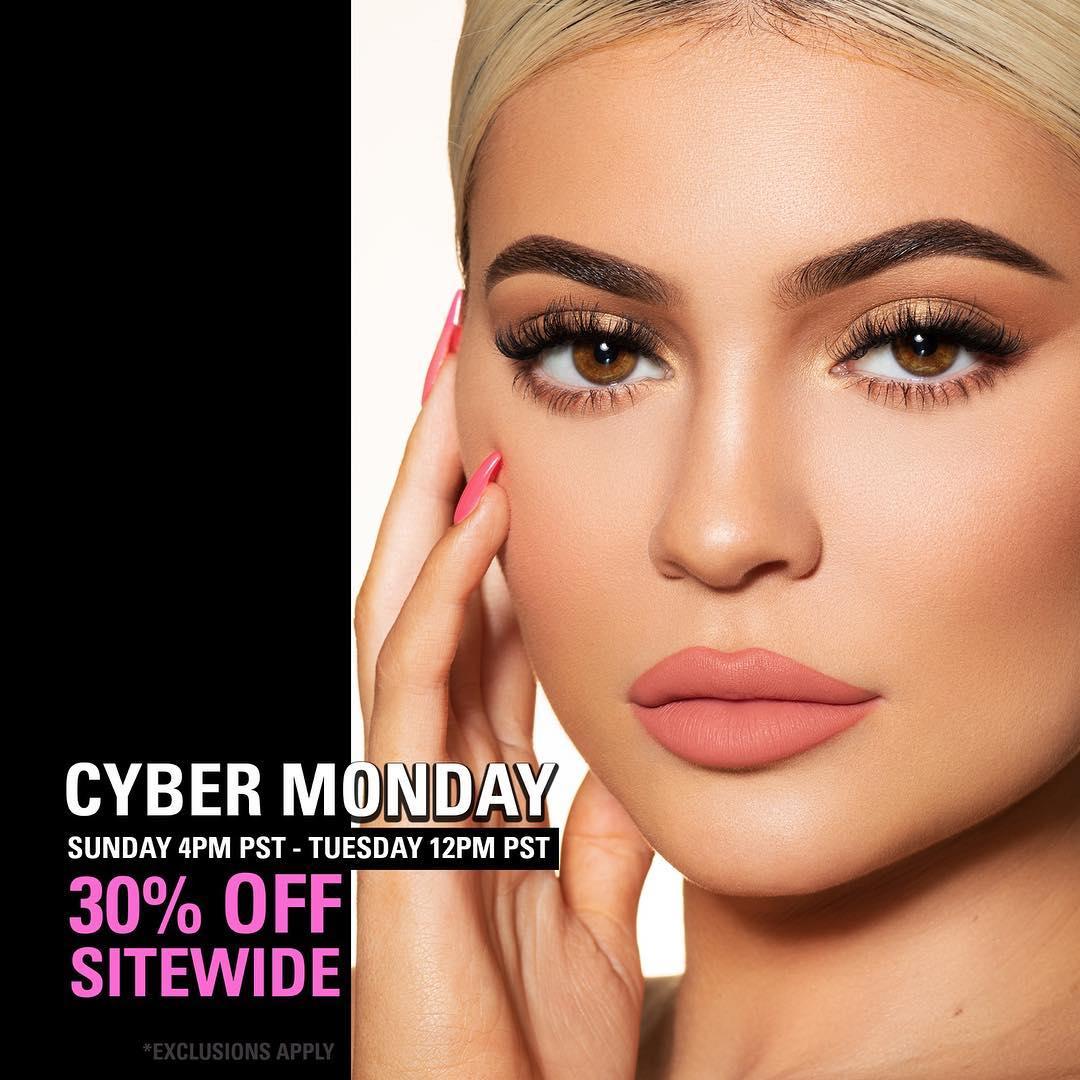 #CYBERMONDAY sale starts NOW on https://t.co/ObiDG3J5sw! https://t.co/9UgQWNqoYR