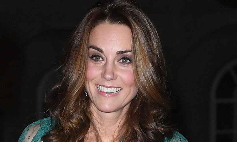 Wait until you see this stunning picture of Duchess Kate at Prince Charles' birthday dinner: