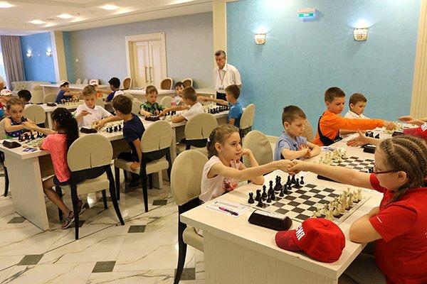 test Twitter Media - К проекту РШФ и Фонда Тимченко «Шахматы в школах» присоединяются Брянская и Тульская области. Теперь в проекте участвуют 11 регионов России https://t.co/1MRKCt4hWC https://t.co/cmZzCbXh8Z