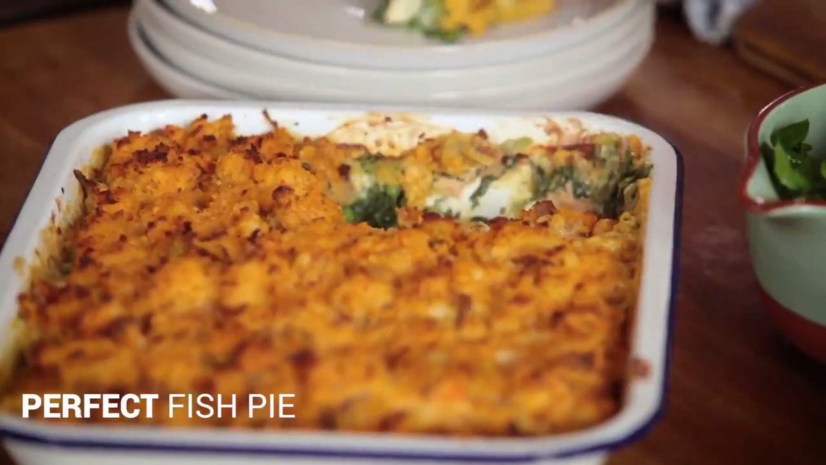 Fish pie AND bacon?? Yes really.   You need to watch this to believe it. ???? https://t.co/Emu1upYloS