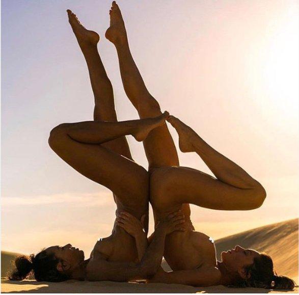 Naked yoga on the beach looks so sexy!  XTHvxTnc1h 1TdREz9l2Z