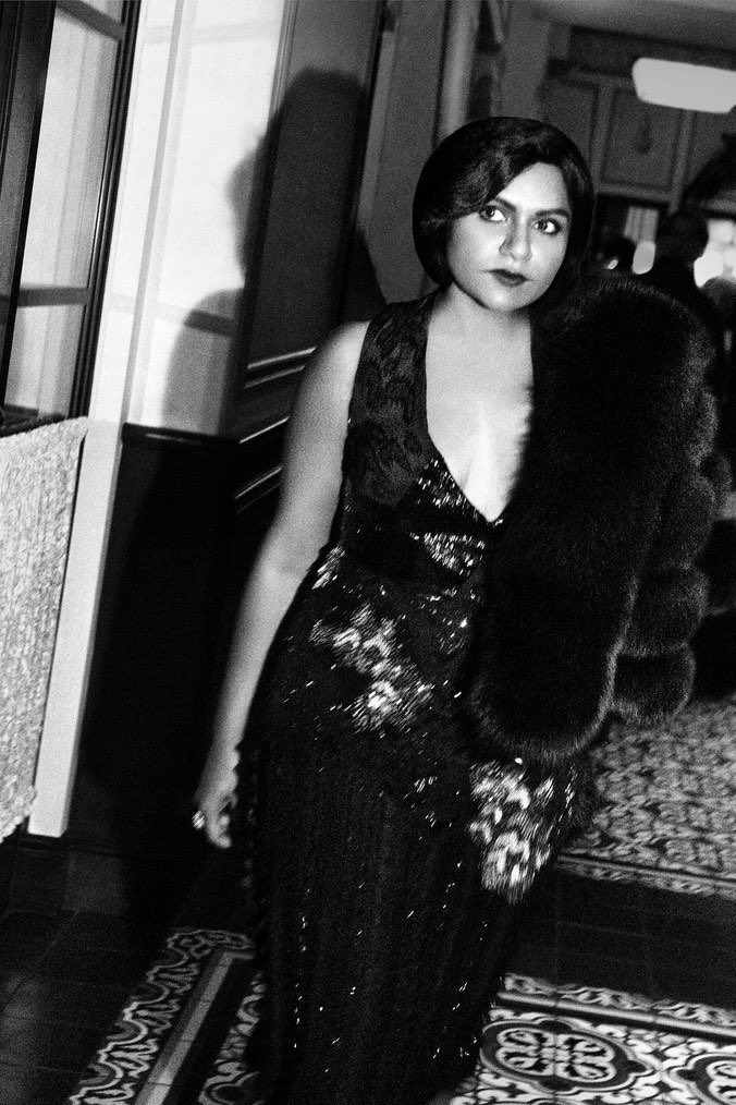 #TBT to this shoot with @wmag. Old Hollywood glamour Mindy has arrived. https://t.co/AyIqTlkdhQ