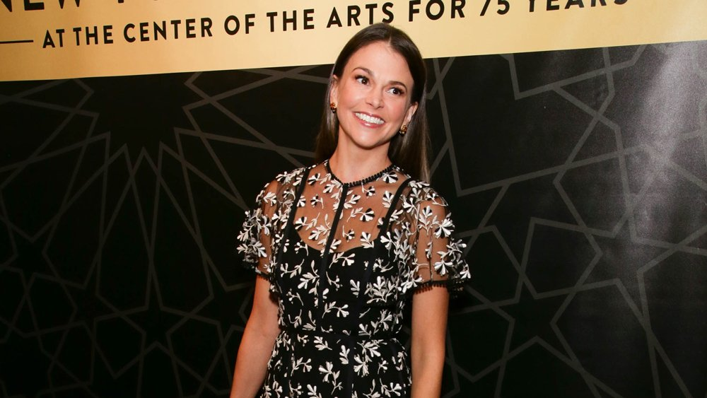 """Younger star Sutton Foster (@sfosternyc) recalls one of her early """"terrible"""" auditions"""
