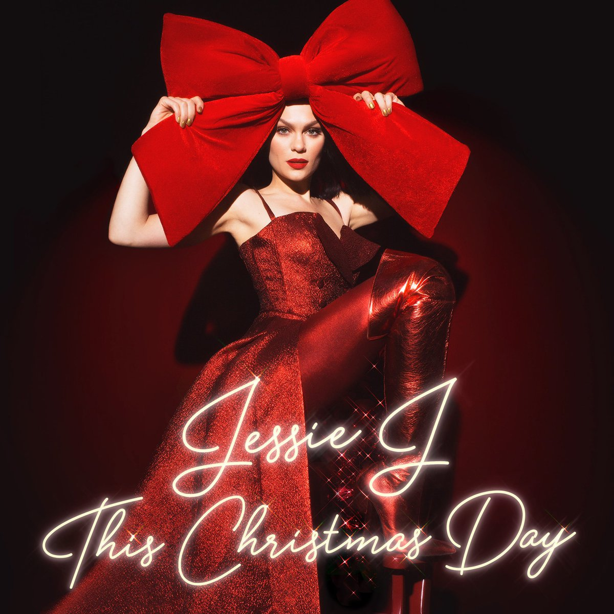 My Christmas album 'This Christmas Day' OUT NOW???????????? Link in boi ???? https://t.co/vSdVKqhQCi