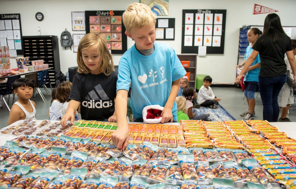 Stockings for the Troops collection at a Laguna Niguel school has special meaning thanks… https://t.co/PhGrcC9NTi https://t.co/EVmSN8bVmQ