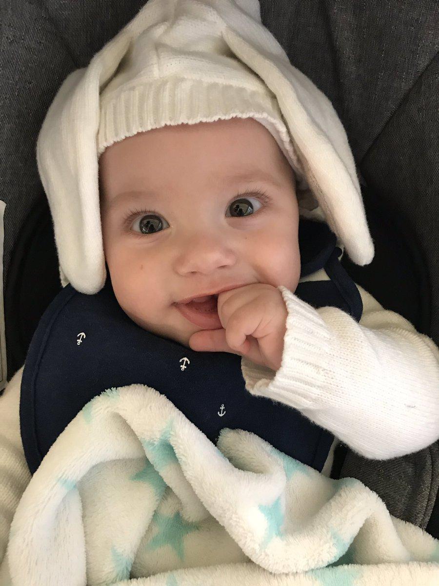Imaginen ese olorcito a bebé. ❤️ ???? . así me tiene ???? . . ????????❤️ . https://t.co/ll0rbteSbg