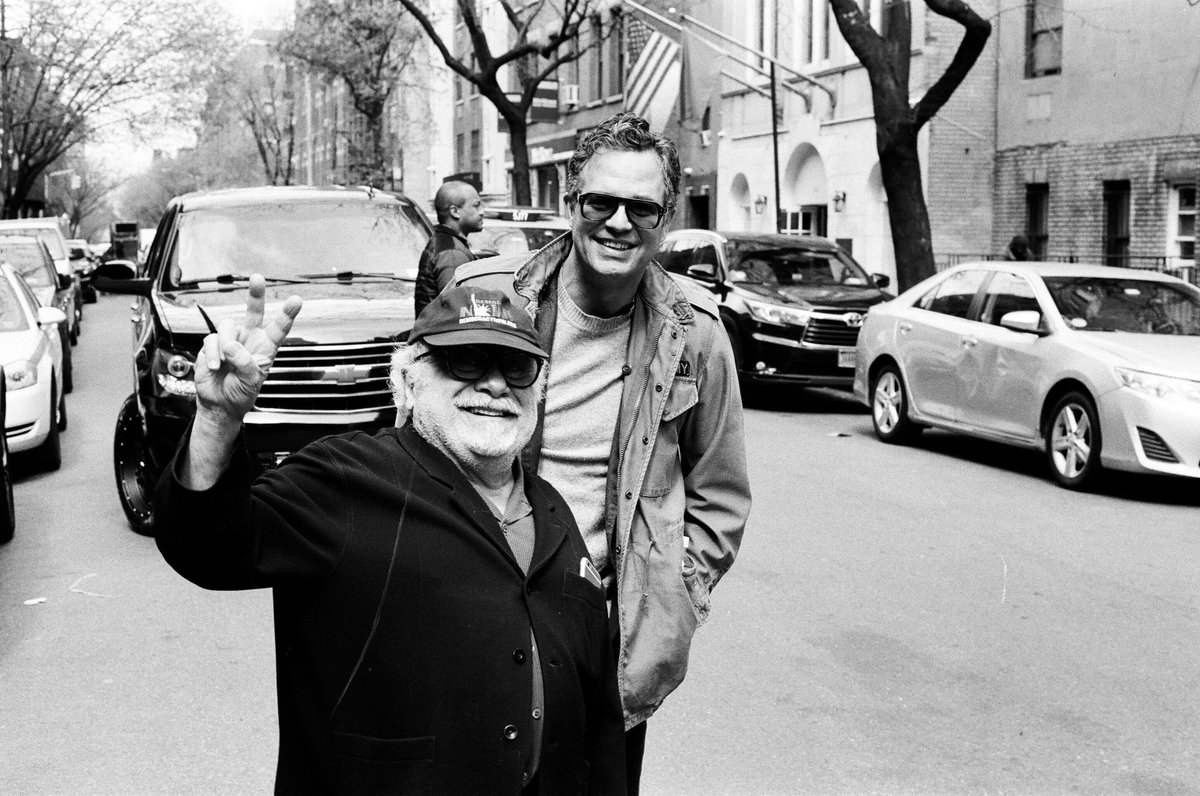 RT @MarkRuffalo: Happy Birthday to my friend @dannydevito ???? https://t.co/Z2gYWRLLXQ