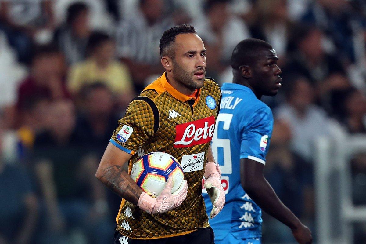 RT @MiSeleccion_: ¡No lo quieren dejar ir! David Ospina sería fichado por Napoli  https://t.co/NIwLCVMpff https://t.co/JXNhMJLDXN