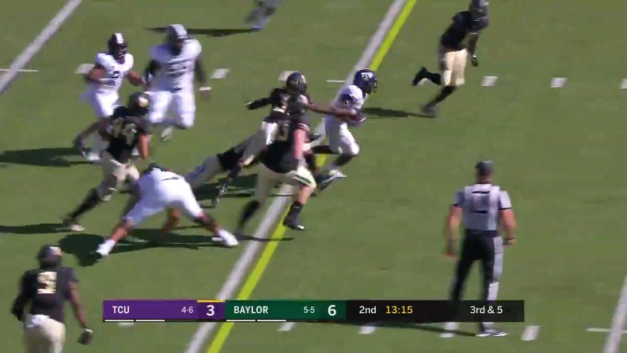 ✅ Broken tackles ✅ Changed fields ✅ Pylon dive  This run has it all! https://t.co/coLZIO6dke