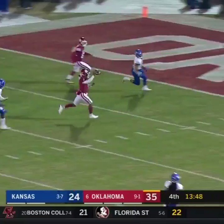 Kyler Murray is a straight up cheat code.  PASSING: 272 yards, 2 TD RUSHING: 99 yards, 3 TD https://t.co/NdL0voKXj1