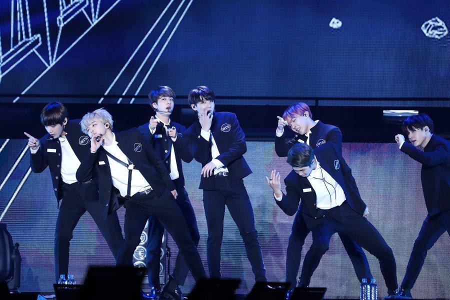 RT @soompi: #BTS Breaks U.S. Box Office Record With
