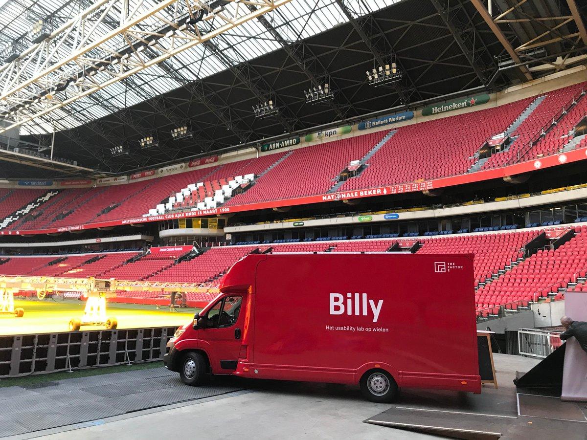 test Twitter Media - Geslaagde dag gehad tijdens #bloomreachconnect in de Amsterdam Arena. Onze eigen Dewi Matthijssen is uitgeroepen tot Most Valuable Professional! 👏 Daarnaast was usability bus Billy mee. Die paste uitstekend in het interieur 😉#networking #mvp #bloomreach #happy https://t.co/bF1tpsr2Or