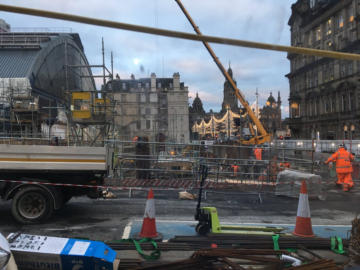 Rebuilding a station fit for the start of trains for the West Highland Lines: Glasgow Queen Street today https://t.co/BZ89ea23a2