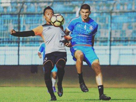 Arema FC vs Metro FC: Aremania Bisa Dukung Langsung ke Stadion https://t.co/aaDlhSSqxj https://t.co/Se1wWY2K6j