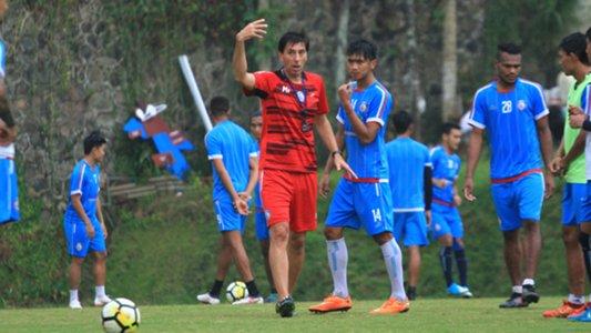 Lawan Persekam Metro FC, Pelatih Arema FC Ingin Asah Kemampuan Pemain Muda https://t.co/nkwmTHdi2d https://t.co/7UlVICj5O0