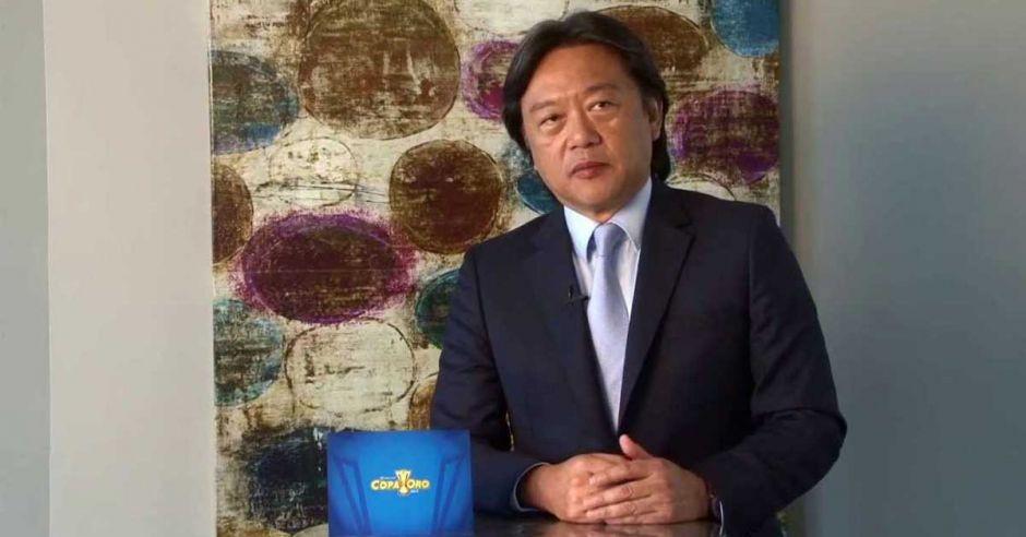 RT @alpiedeldeporte: Eduardo Li revela con detalles cómo se adueñó de miles de dólares https://t.co/Fpg1Ice1g1 https://t.co/FZmo9EMR2f