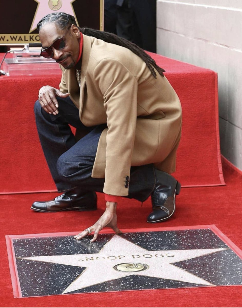 Blessed ???????? ✨???????? #HollywoodWalkOfFame https://t.co/dzglRsAhUP
