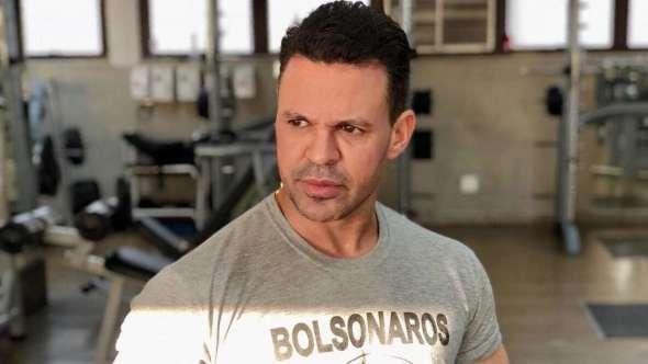 Eduardo Costa se desculpa após xingar Fernanda Lima https://t.co/RtzPOyAYR7 https://t.co/S3D8fbW28Z
