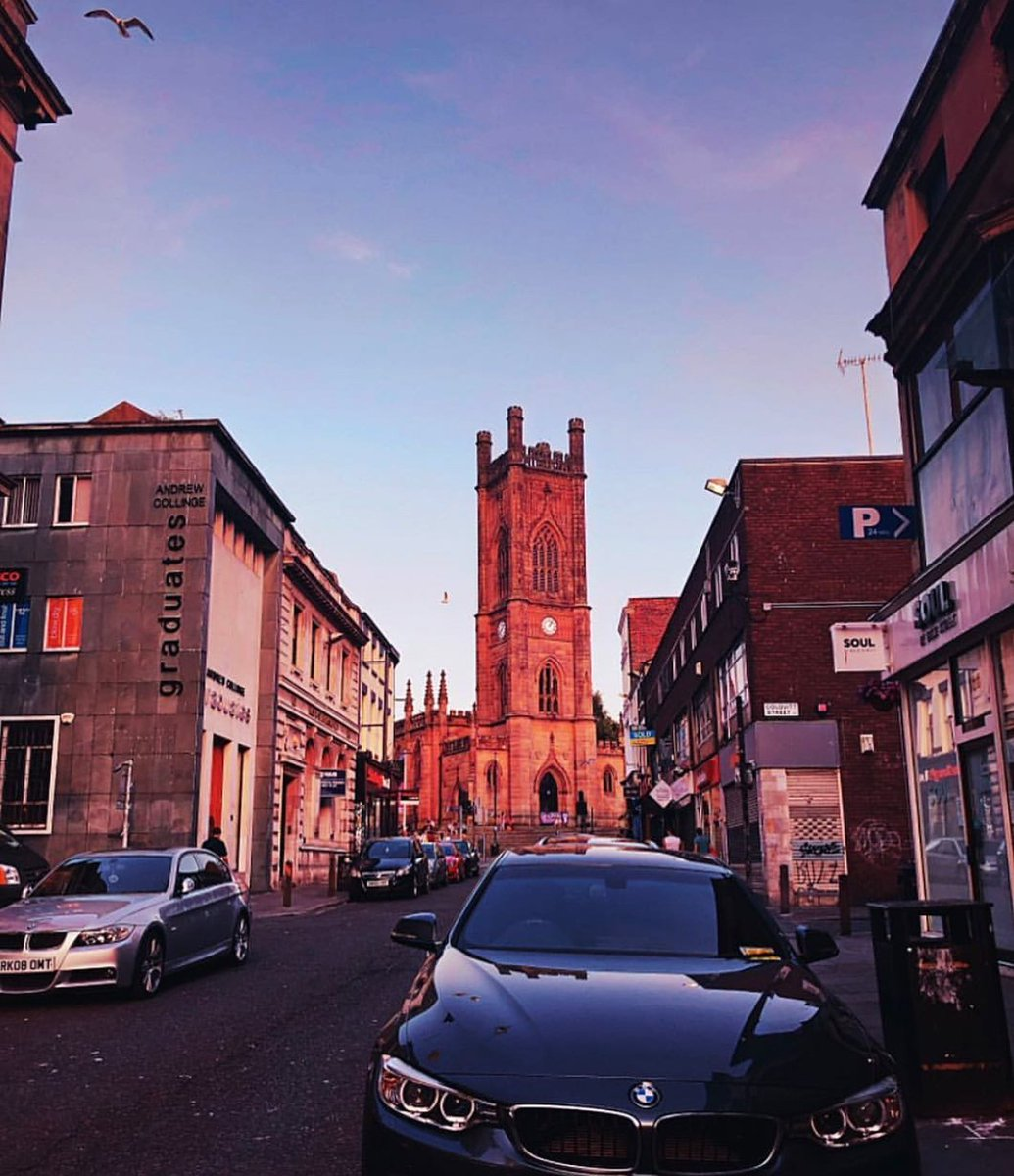 Bold street is looking mighty fine today! 🌇 https://t.co/D9LP952C18