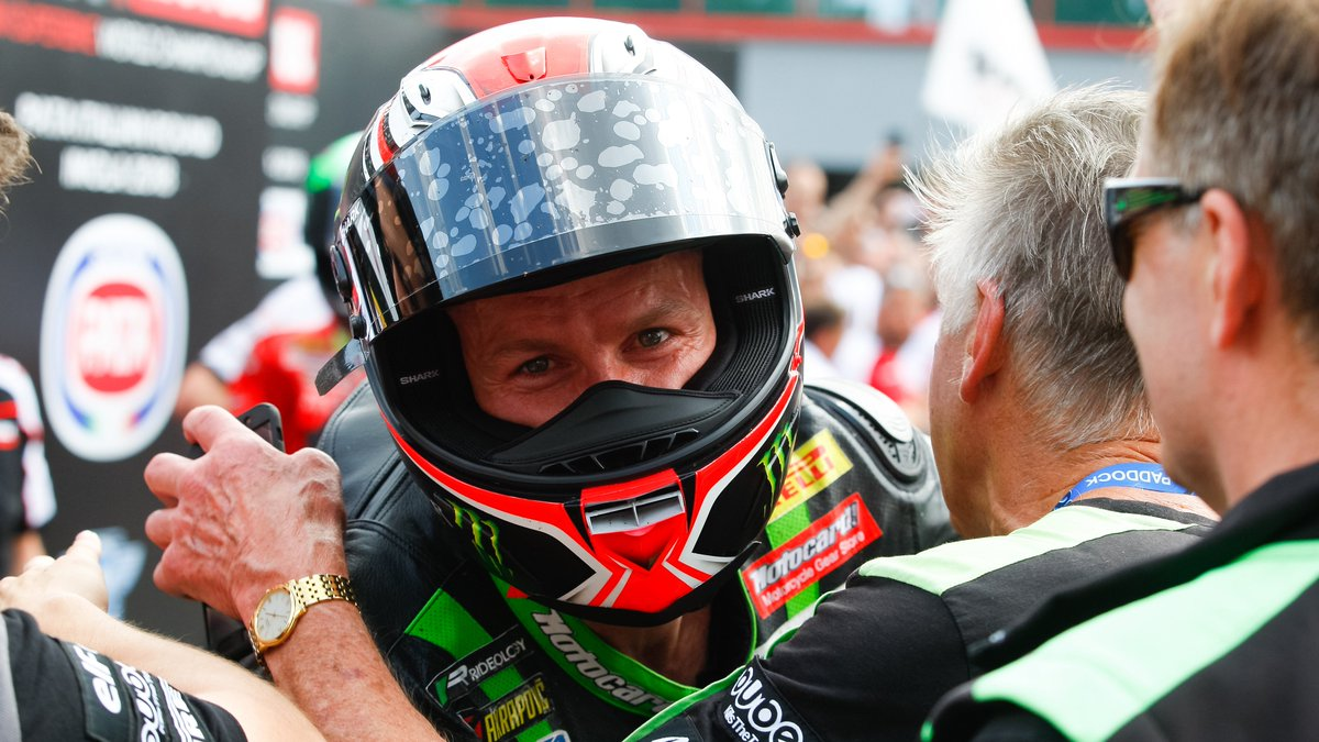 test Twitter Media - .@TheRealTomSykes and @KRT_WorldSBK : The end of a nine-year relationship  We take a look back on the British riders time in green  📰 | #WorldSBK https://t.co/jhgCc5IhxG https://t.co/dp2Di4QMTJ