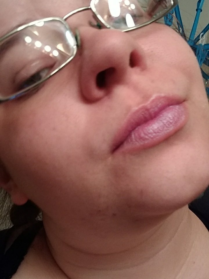 New lipstick! Basically sheer with blue shimmer, but YAY. It was 98¢ K5K9WNY2qL