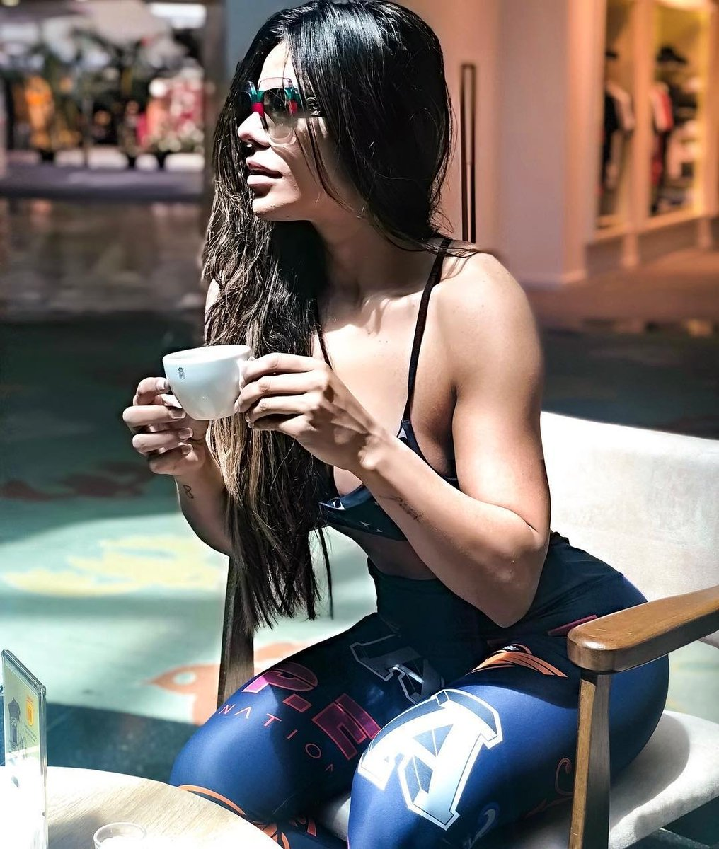 Coffee time! ❤️ #beforegym https://t.co/fcF7BsYr3p