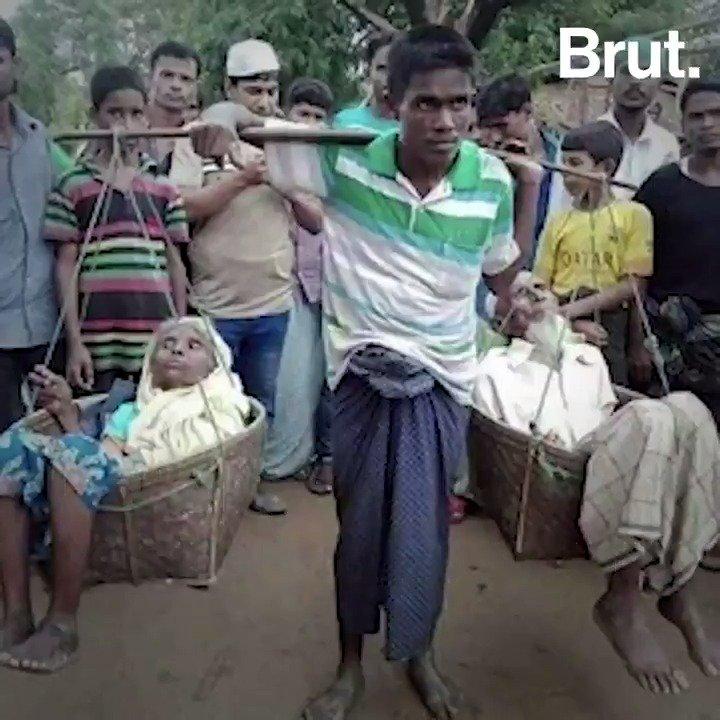 Il a transporté ses deux parents sur son dos pendant une semaine pour les sauver.  Mohamad Ayoub fait partie des 700 000 Rohingyas qui ont fui les massacres en Birmanie. Brut l'a rencontré. https://t.co/HGkiLUKbRZ