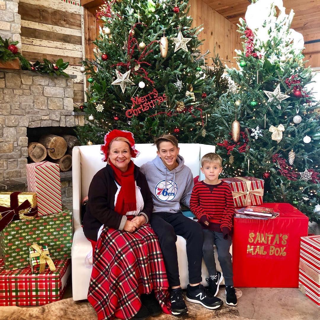 Grandma Betty (Mrs. Claus) spreading holiday cheer! ???? https://t.co/JNEPyDAGbD