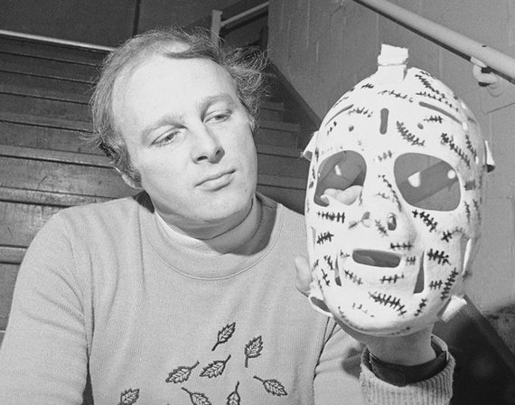 Wow, do I feel old...happy 78th birthday to the one and only Gerry Cheevers!  Cheesy\s iconic mask!